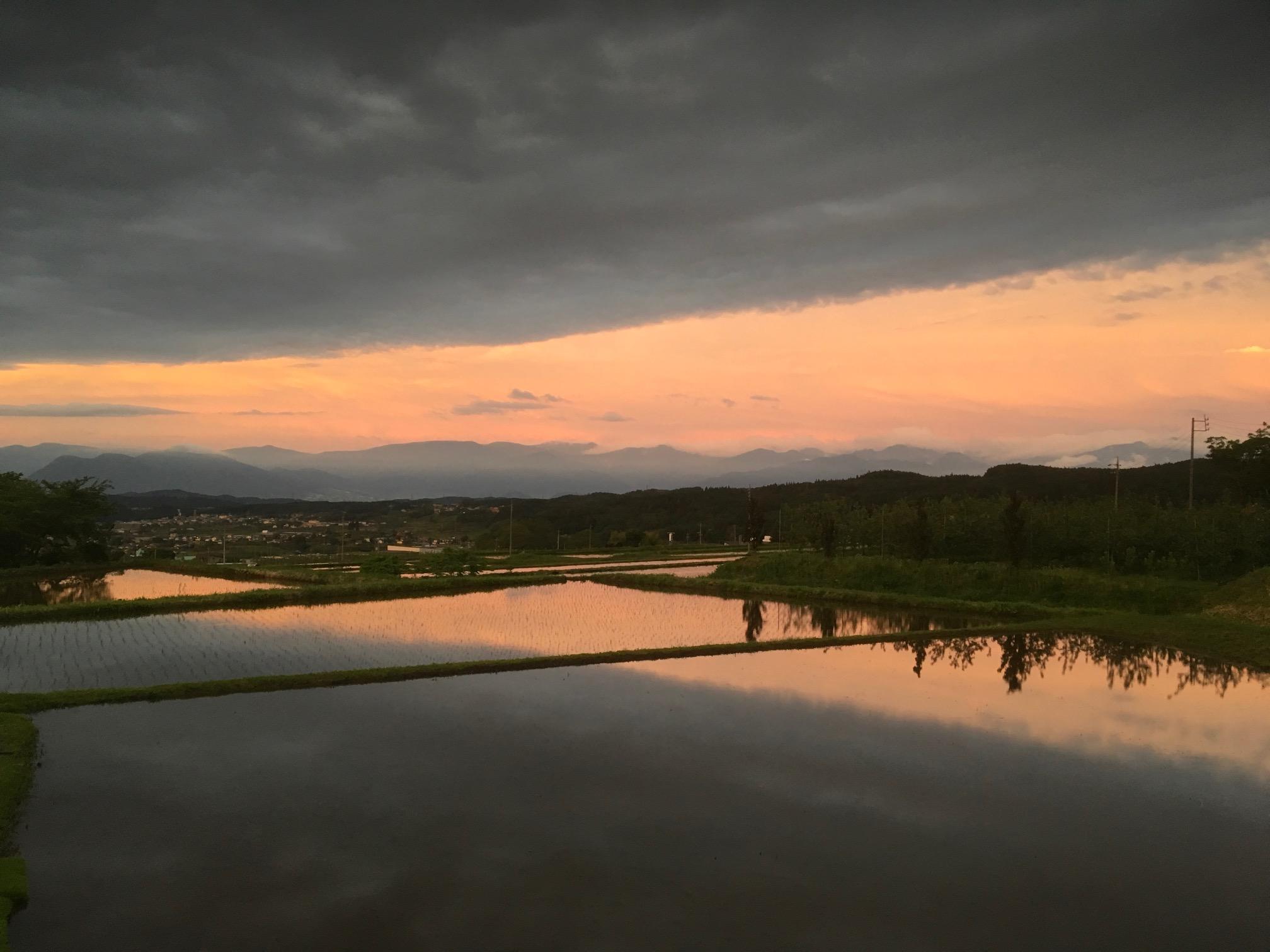 東の空の夕焼けが綺麗な時は・・・